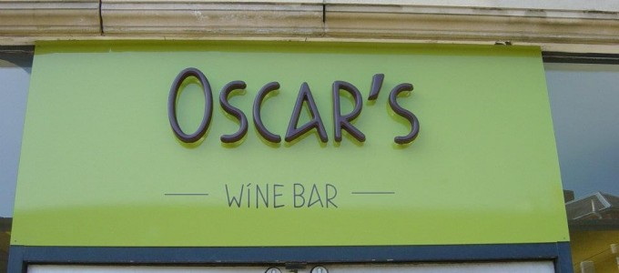 Sign for Oscar's Wine Bar